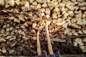 chopped-firewood-axes_97899-1192