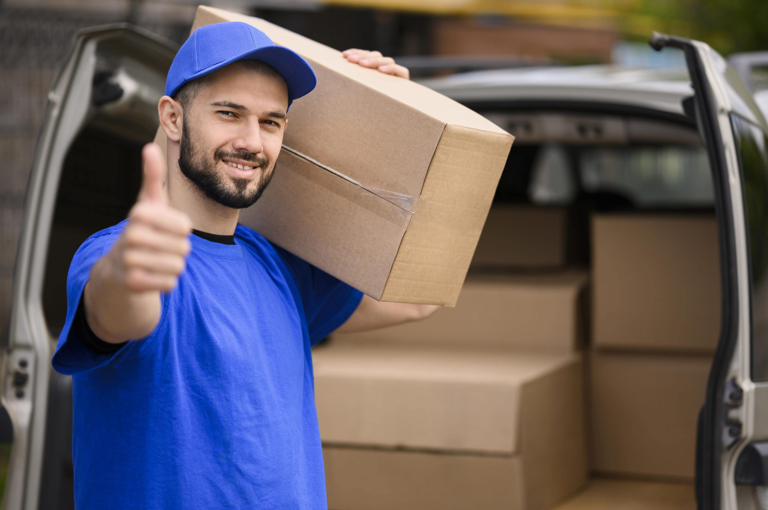 Zabezpečujeme sťahovanie bytov, domov, kancelárii. Presťahujeme Vás rýchlo a ohľaduplne k Vášmu majetku za výhodné ceny. Vyskúšajte spoluprácu s nami.